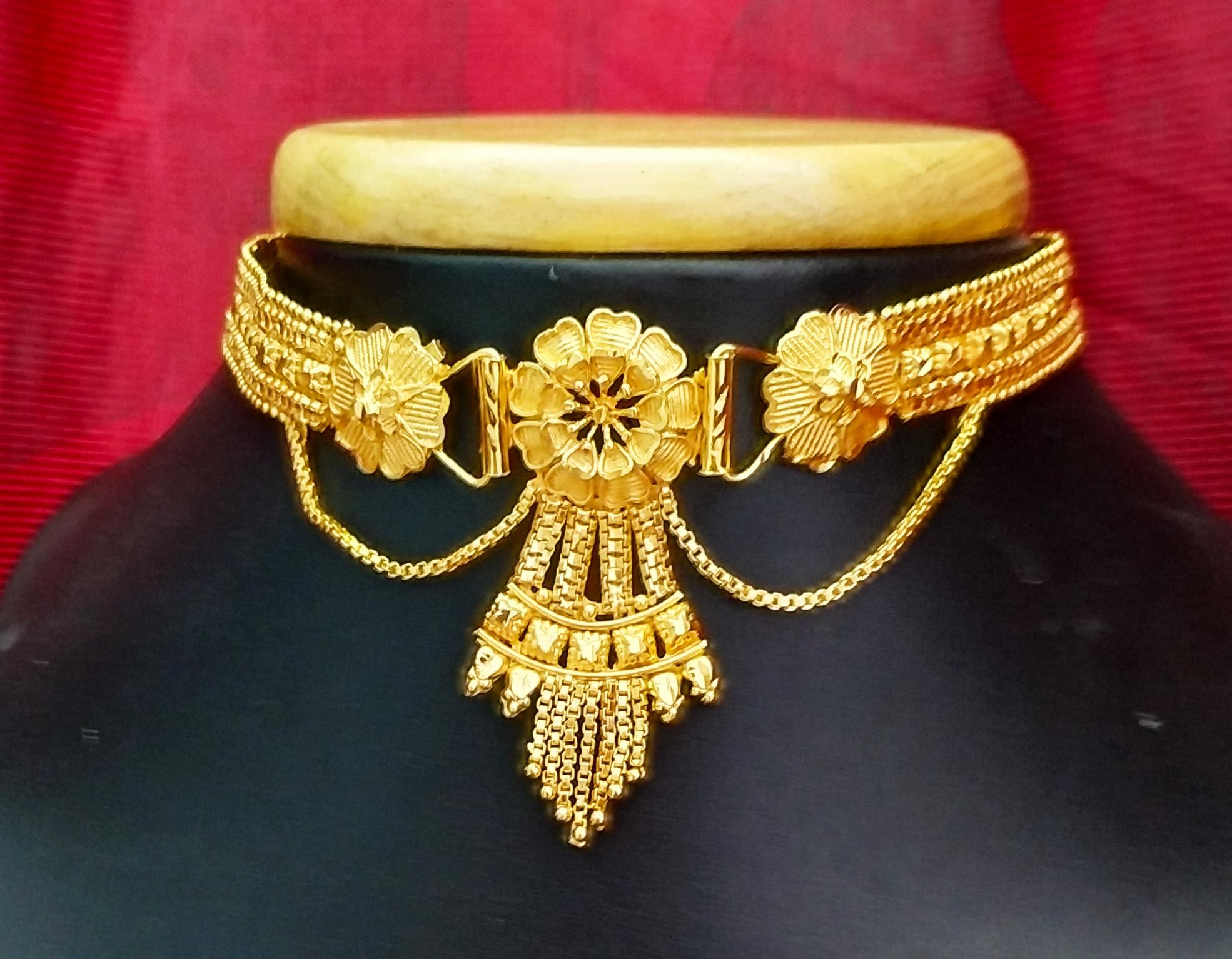 Dazzling Flower Design Gold Plated Chik